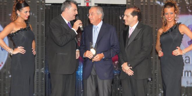 Reconocimiento en Fiesta Provincial del Deporte 2013 al Escribano Mario Vigo